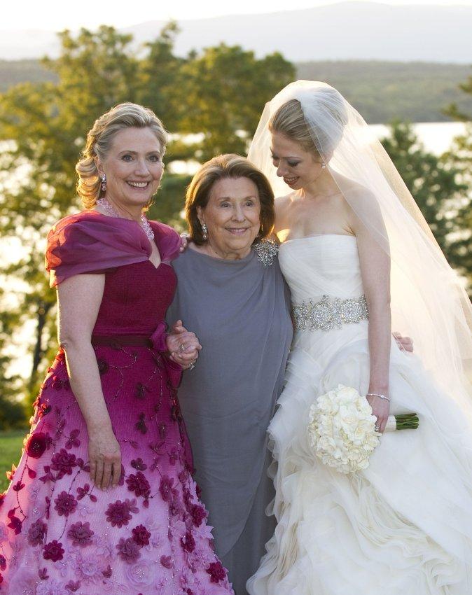 Chelsea Clinton and Marc Mezvinsky wedding photos  UPIcom