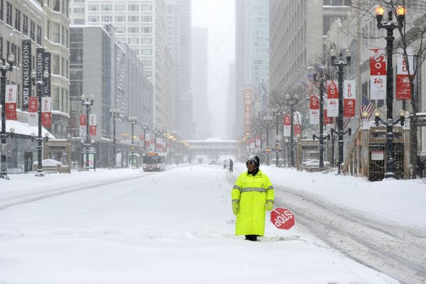 Snowstorm cripples Midwest  All Photos  UPIcom