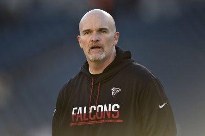Falcons coach Dan Quinn, players make USO trip Falcons coach Dan Quinn players make USO trip