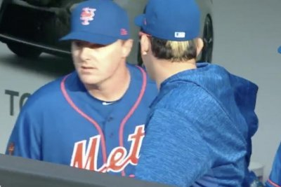 Watch: Mets' Jay Bruce embarrassingly leaves field before third out, runs into dugout Mets Jay Bruce runs into dugout before third out of inning