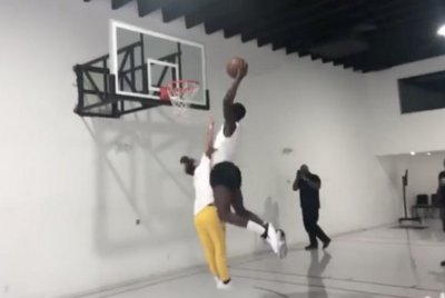 Watch: Victor Oladipo sends Tekashi69 to the floor on monster dunk try Indiana Pacers star Victor Oladipo runs over Tekashi69 on dunk attempt