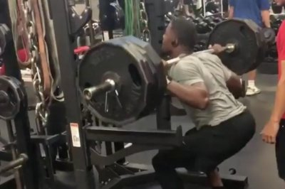 Watch: Cardinals RB David Johnson squats 495 pounds … three times Cardinals David Johnson does three 495 pound squat reps