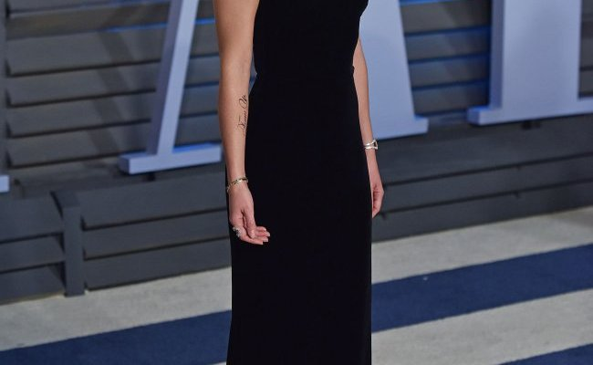 Emma Watson Attends The Vanity Fair Oscar Party In Beverly