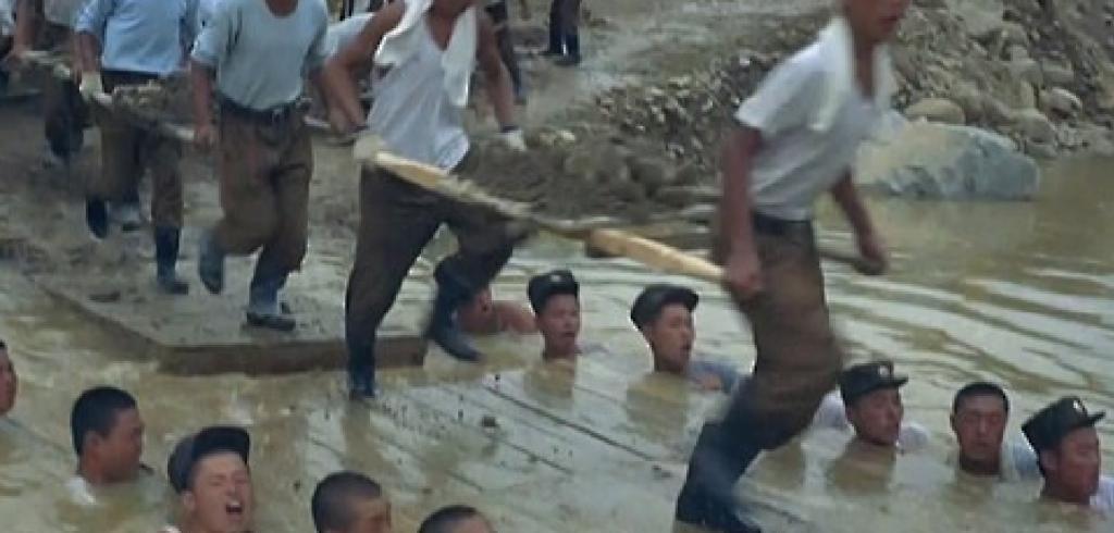 North Korean soldiers mobilized for human bridge  UPIcom