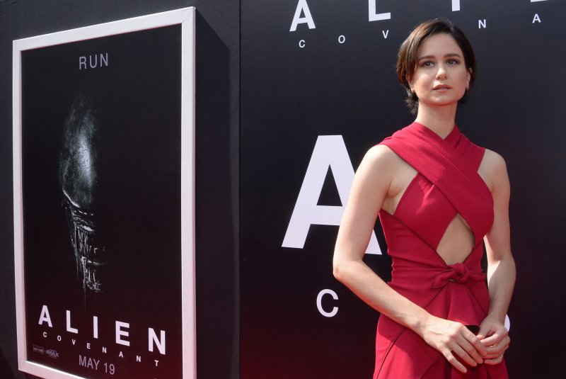 Katherine Waterston Pregnant With First Child