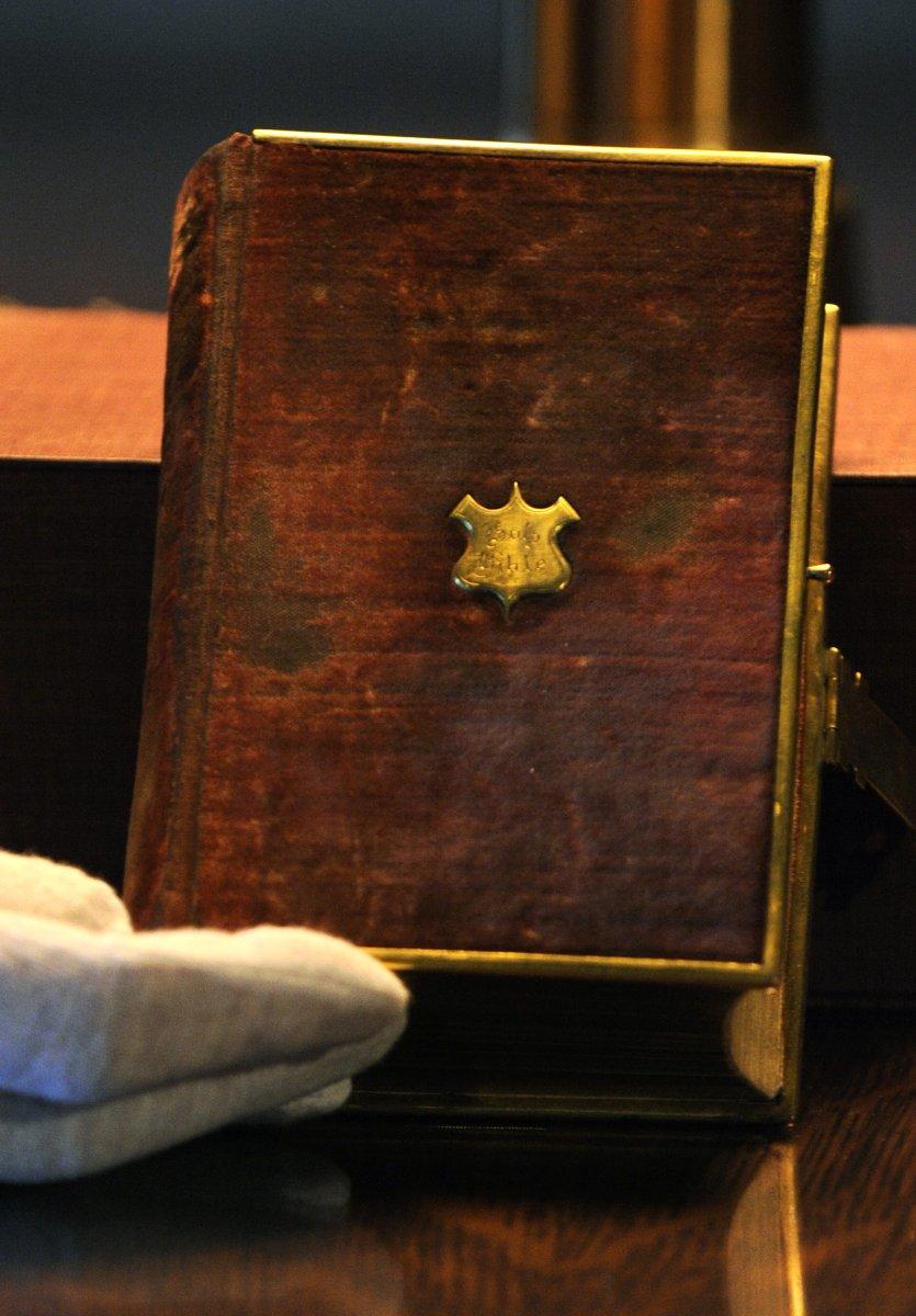 Obama to take oath on Lincoln Bible  UPIcom