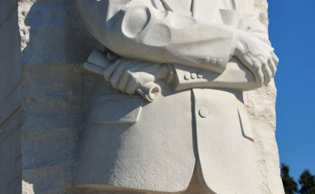 Mlk Memorial Opens To Public Upi