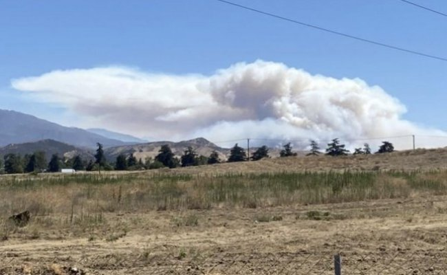 Apple Fire Spreads Prompting New Evacuation Warning Upi
