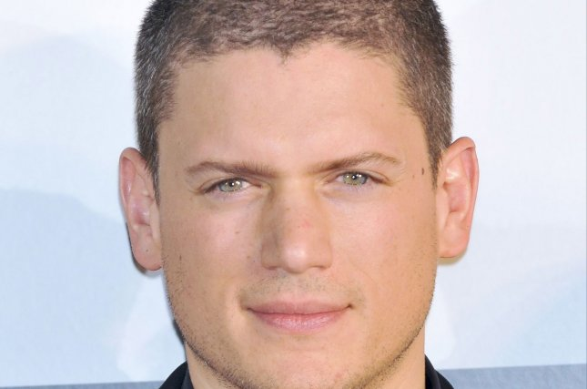 Actor Who Plays Leonard Snart