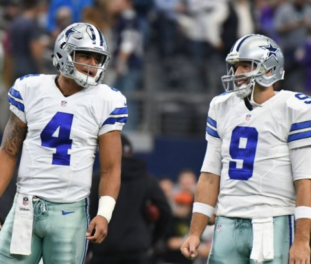 Dallas Cowboys Owner Jerry Jones Says The Future Of Quarterback Tony Romo Right With The Team Is Not Clear Romo And Dak Prescott Warm Up Prior To Facing