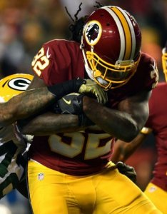 Washington redskins running back rob kelley runs for  yard touchdown against the green bay packers in second quarter on november at fedex also fantasy football kelly expected to keep rh upi