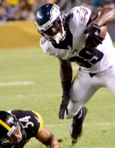 Byron marshall washington redskins sign rb after moving kelley to   also running back from philadelphia eagles rh upi