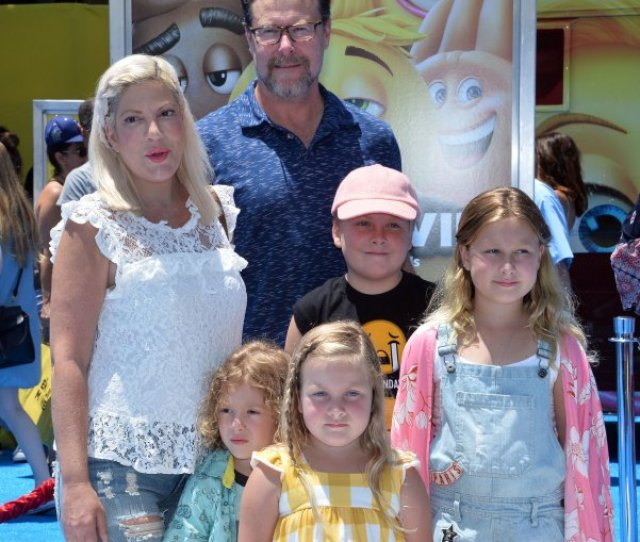 Tori Spelling Dean Mcdermott And Their Children Finn Liam Stella And Hattie Attend The Los Angeles Premiere Of The Emoji Movie On July 23