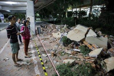 6.9-magnitude earthquake shakes Indonesia's Loloan Island ...