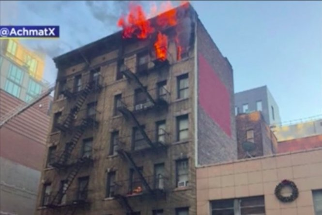 1 Dead In Nyc High Rise Apartment Building Fire Upi