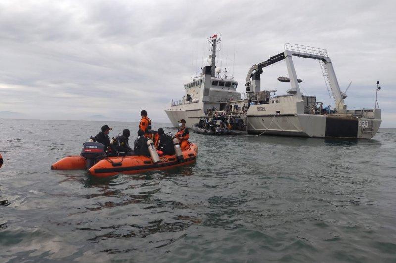 Crews find 2nd 'black box' from Sriwijaya Air crash that killed 62 - UPI.com