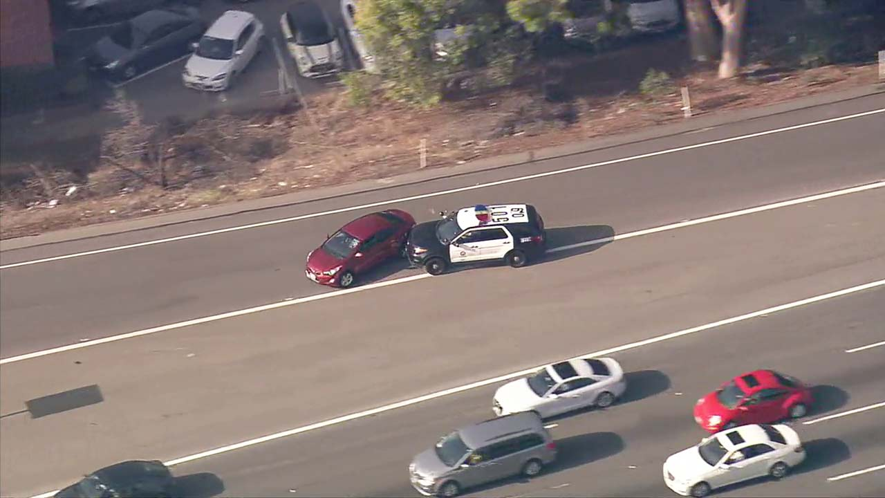 Police chase ends with PIT maneuver on 101 Fwy in North Hollywood. suspect in custody   abc7.com