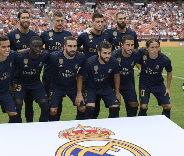 Punya Banyak Gelandang Ini  Formasi Pilihan Real Madrid Musim