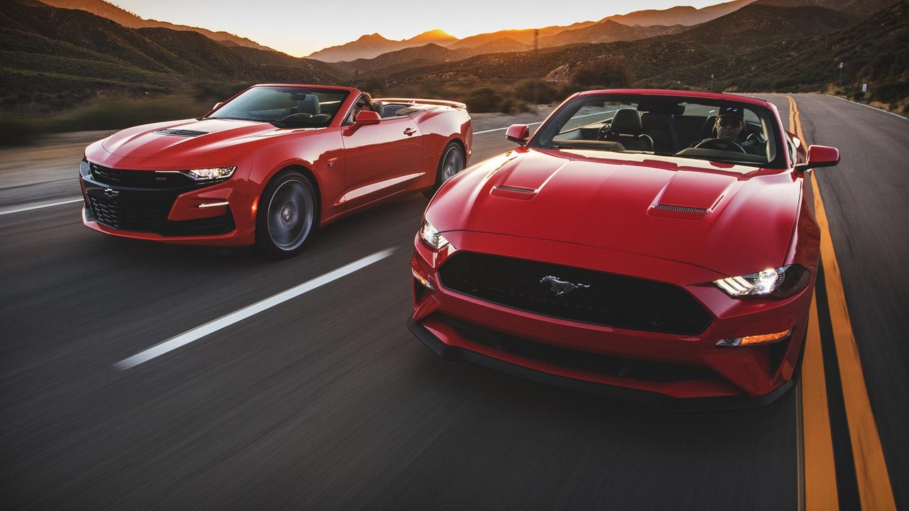hight resolution of battle of the ponycar convertibles mustang gt vs camaro ss