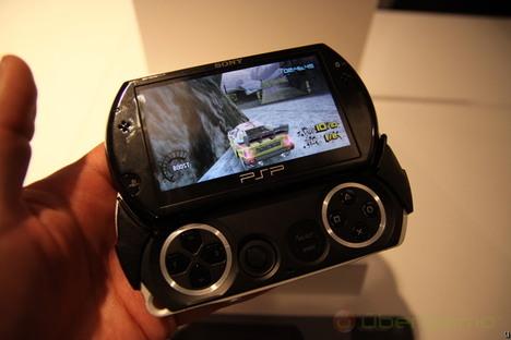 Sony PSP Go Hands-On   Ubergizmo