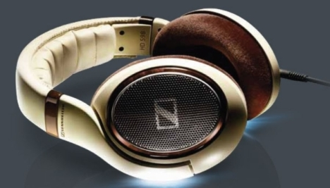 Sennheiser Unveils Its 500 Series High-end Headphones
