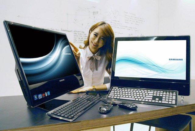 Samsung Smart One AF315 (on the left)