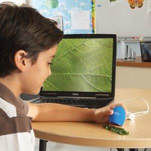 Zoomy Handheld Digital Microscope