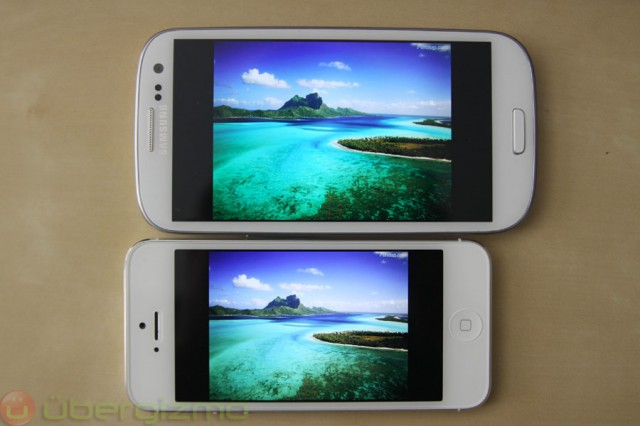 iPhone 5 Side by side with the Samsung Galaxy S3