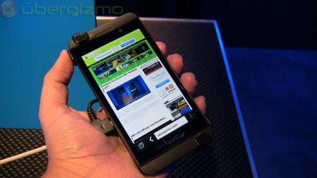 blackberry-z10-hands-on--01