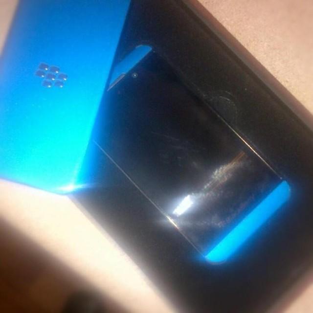 blue-blackberry-z10