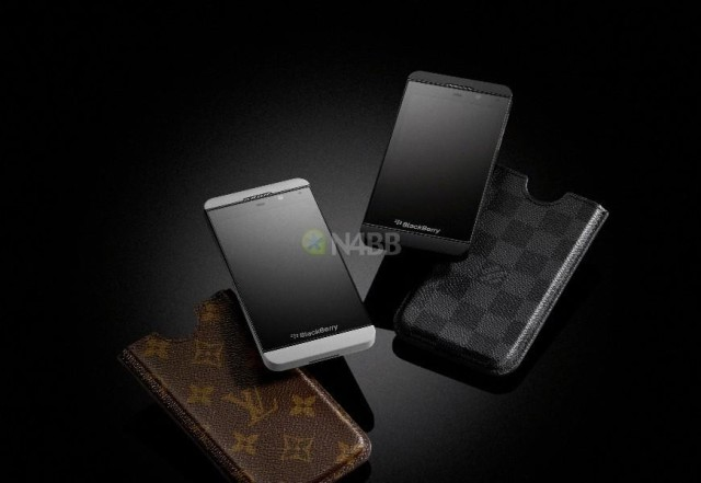 Louis-Vuitton-Cases-and-BlackBerry-Z10_2-HD-870x600