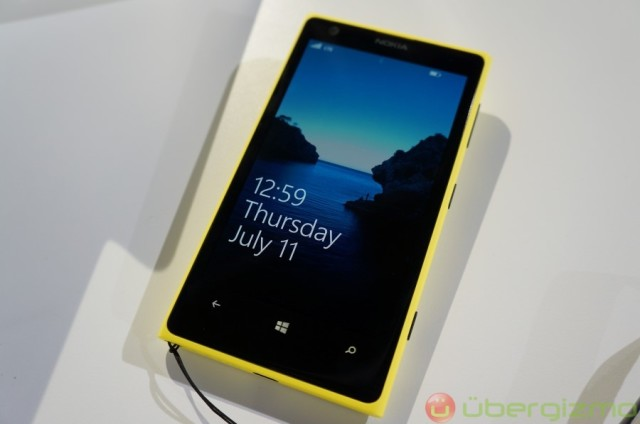 Nokia-Lumia-1020-hands-on-review-1