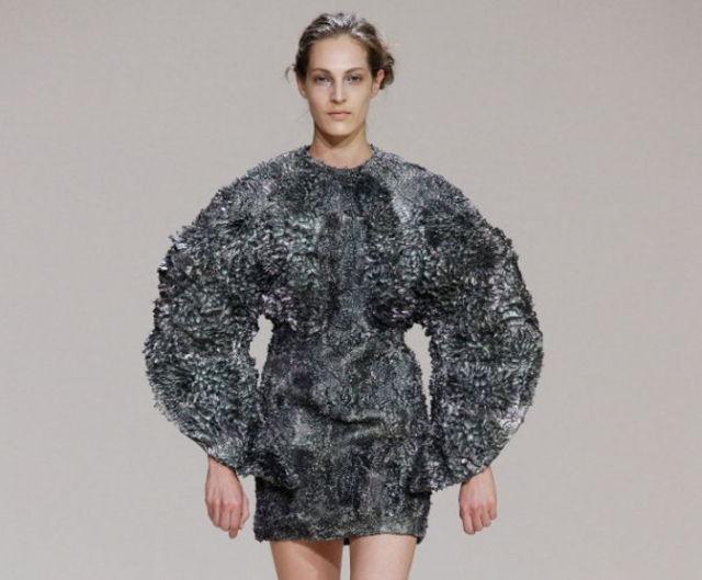 magnetic-dress