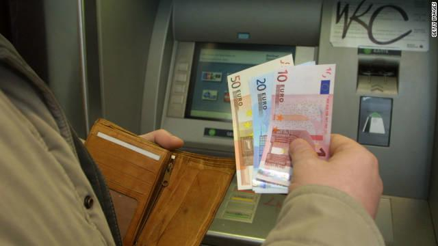 ATM Hack Uses USB Drives To Steal Money | Ubergizmo