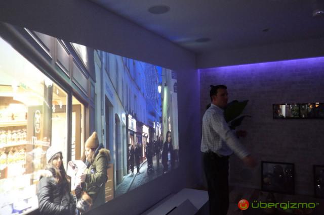 sony-ultrashort-throw-projector-ces2014-demo-006