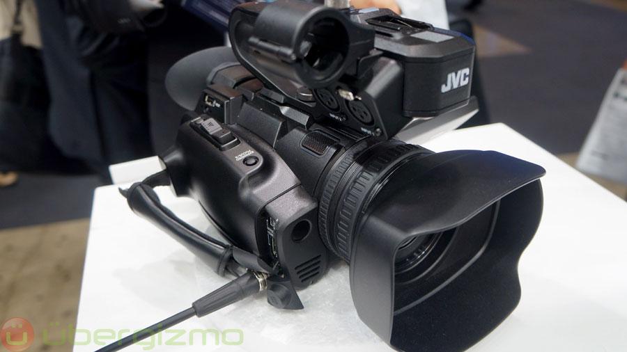 JVC-GY-HM200--01