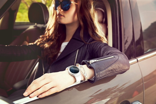 Gear-S2-watch_lifestyle__01