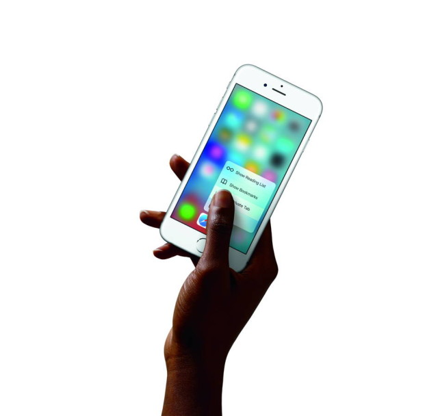 iPhone6s-Hand-SafariQuickAction-PR-PRINT