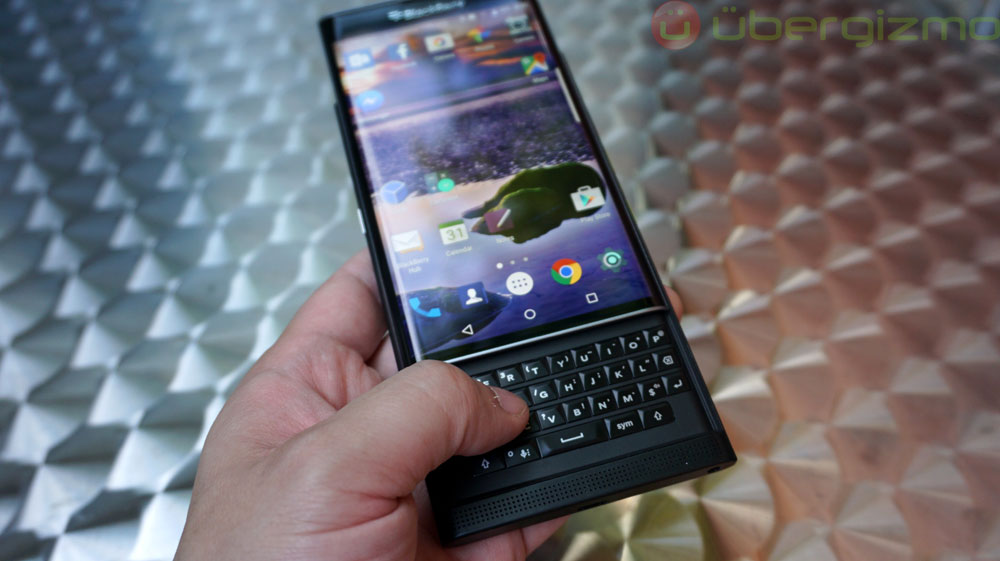blackberry-priv-review_ubergizmo_09