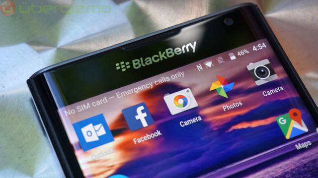 blackberry-priv-review_ubergizmo_15