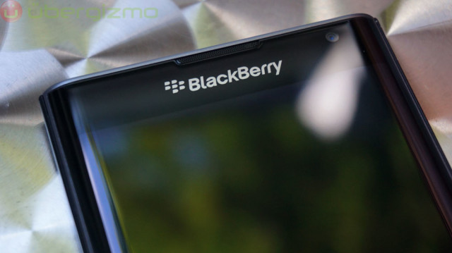 blackberry-priv-review_ubergizmo_17