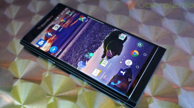 blackberry-priv-review_ubergizmo_22