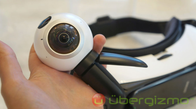 Samsung-Gear-360-Camera-02_900