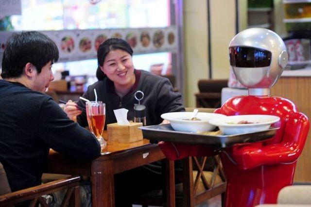 robot-waiter