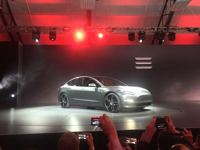 First Tesla Model 3 Delivery On Track For July   Ubergizmo