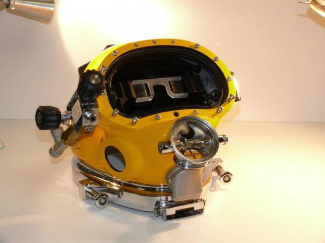 navy hud helmet