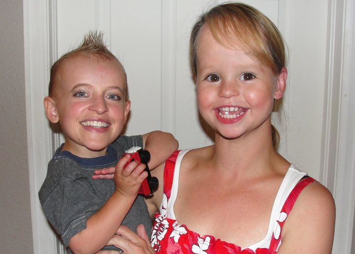 face-swap-baby-adult