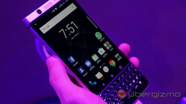 New BlackBerry Handsets May Get Wireless Charging | Ubergizmo