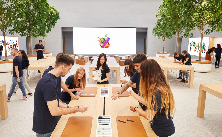 Chinese Government Ordered Nearly 100,000 Games From Apple's Chinese App Store in 2020