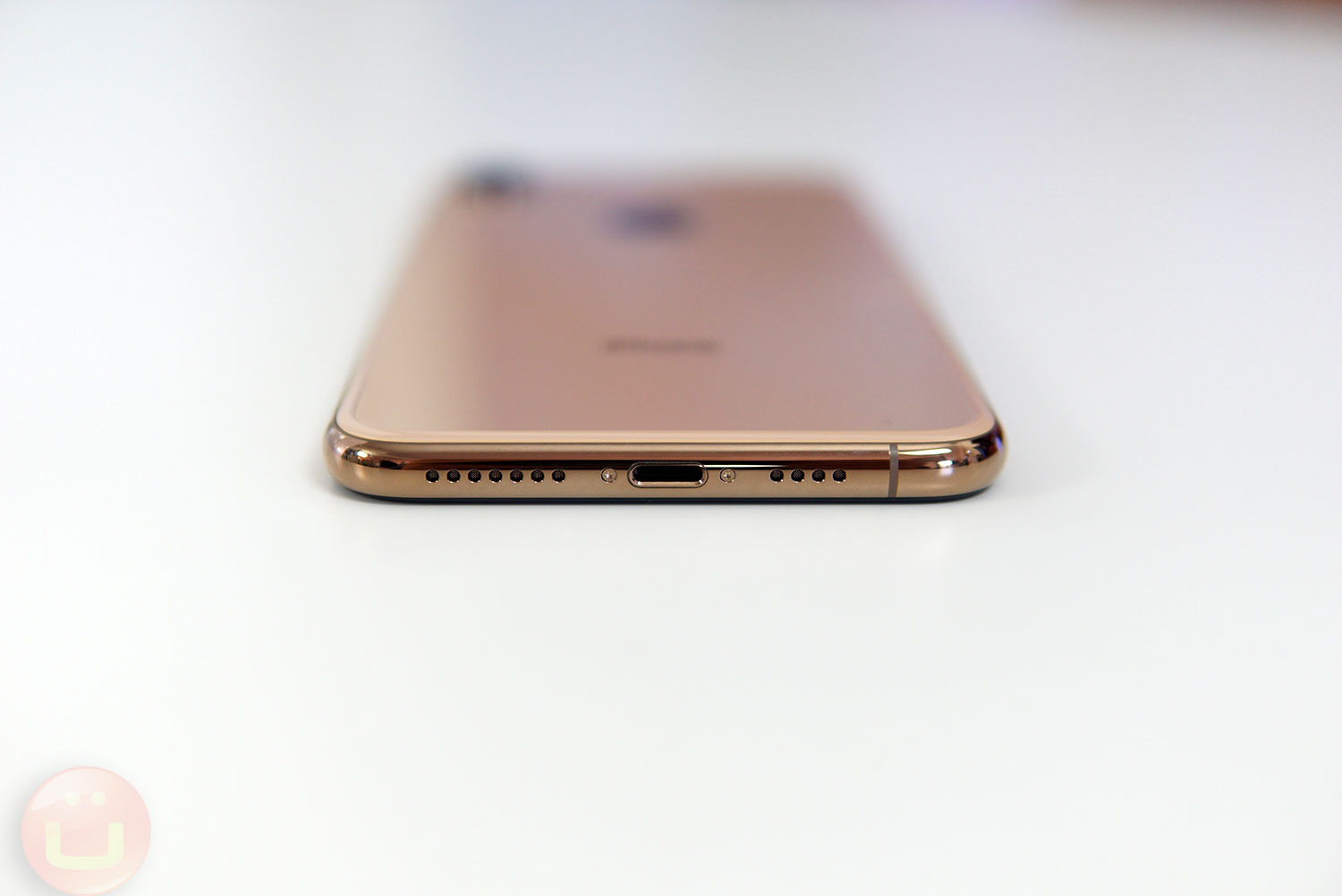 Iphone Xs And Xs Max Review Vs The Best Android Phones Ubergizmo